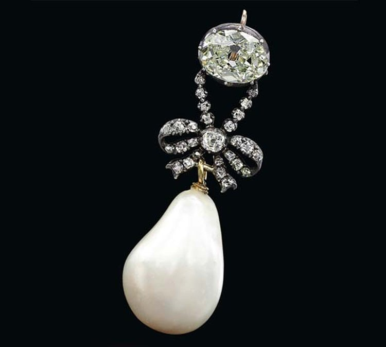 Marie Antoinette's Natural Pearl Pendant Crushes Auction Record As It Sells for $36.1 Million