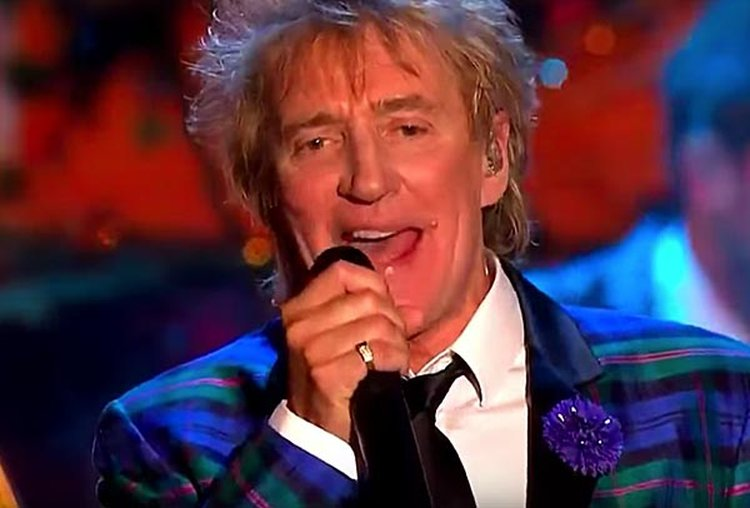 Music Friday: Rod Stewart Gets a Diamond Ring in the Holiday Classic, 'Merry Christmas, Baby'