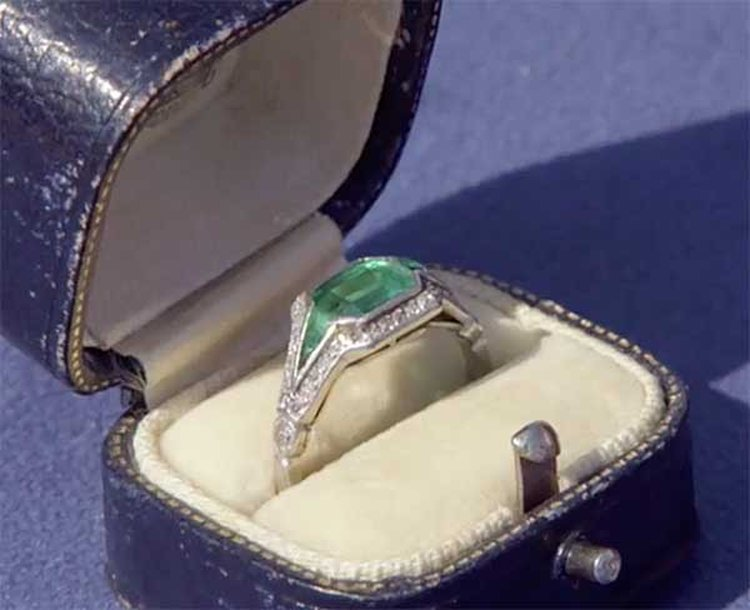 Emerald Ring That Survived the Sinking of the Titanic Is Featured on BBC's 'Antiques Roadshow'