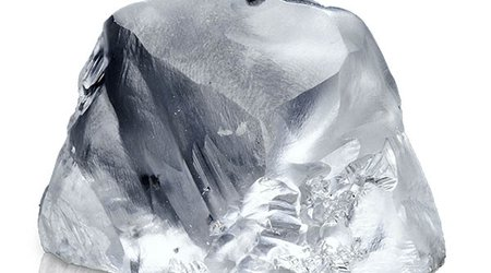 Diamonds Do Very, Very Well Under Extreme Pressure, Scientists Confirm